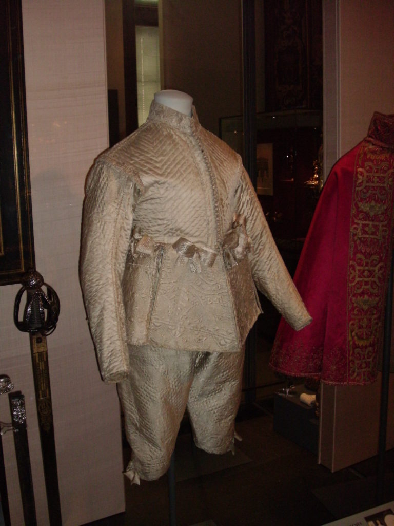 Tudor Kings Henry VIII Clothing