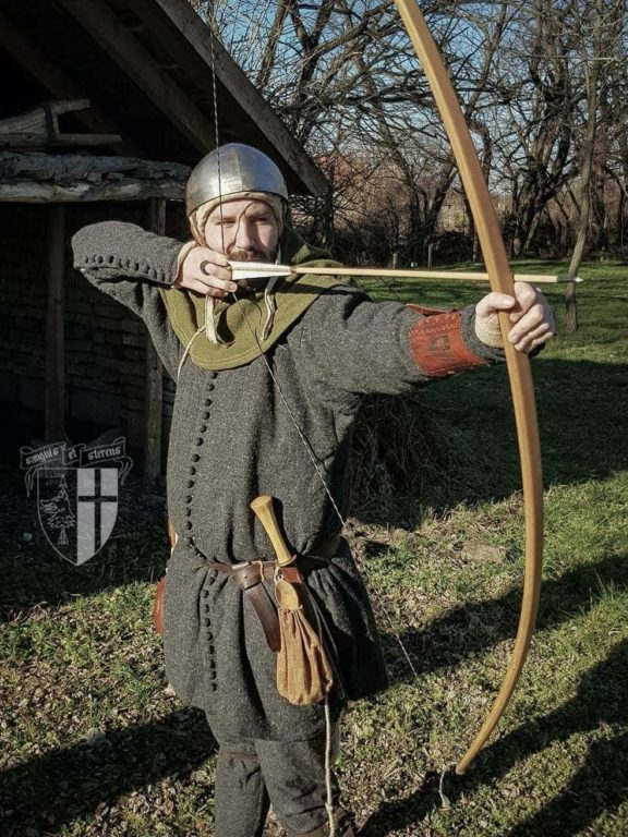 anglo-saxon-bow-arrow