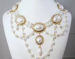 The Elizabethan Jewellery